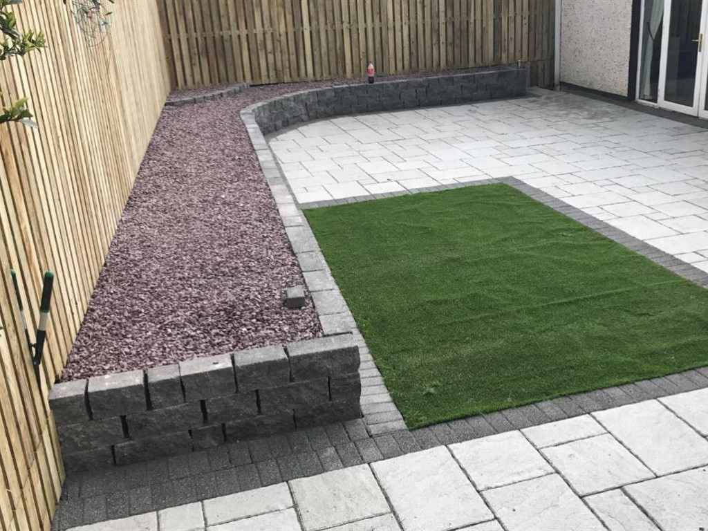 Landscaping Contractors For Northampton Gardens Lawns Trees